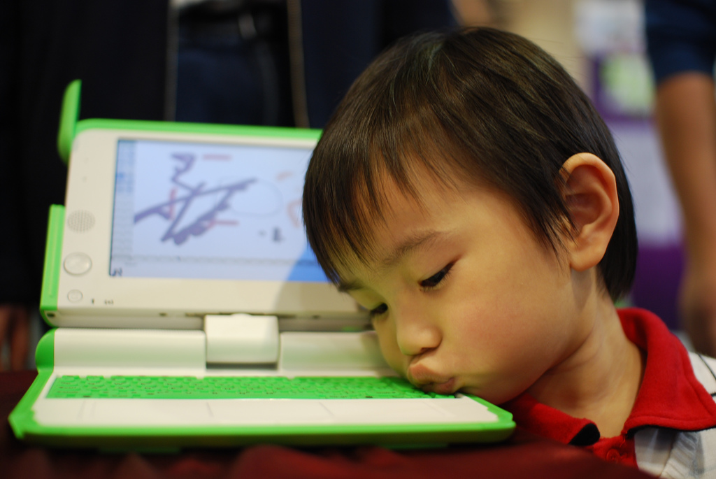 One Laptop per Child is working on hybrid tablet/computer device, scheduled for early 2013 launch