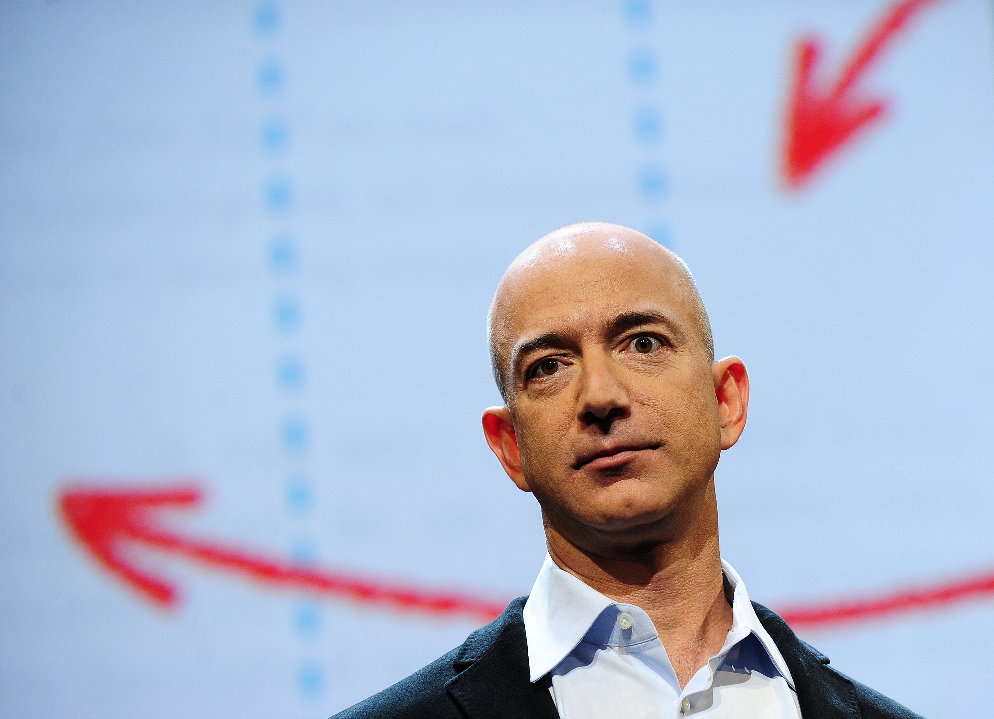 Amazon misses on revenues of $13.81 billion, massive EPS loss of -$0.60
