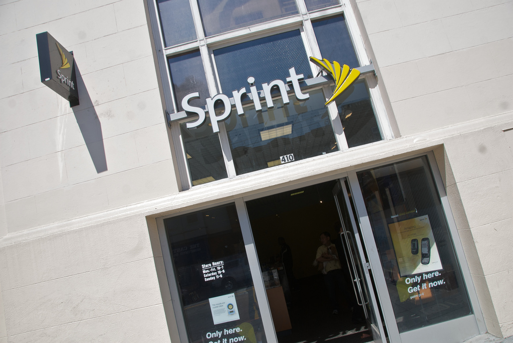 Sprint buys out shareholder to take controlling share of Clearwire