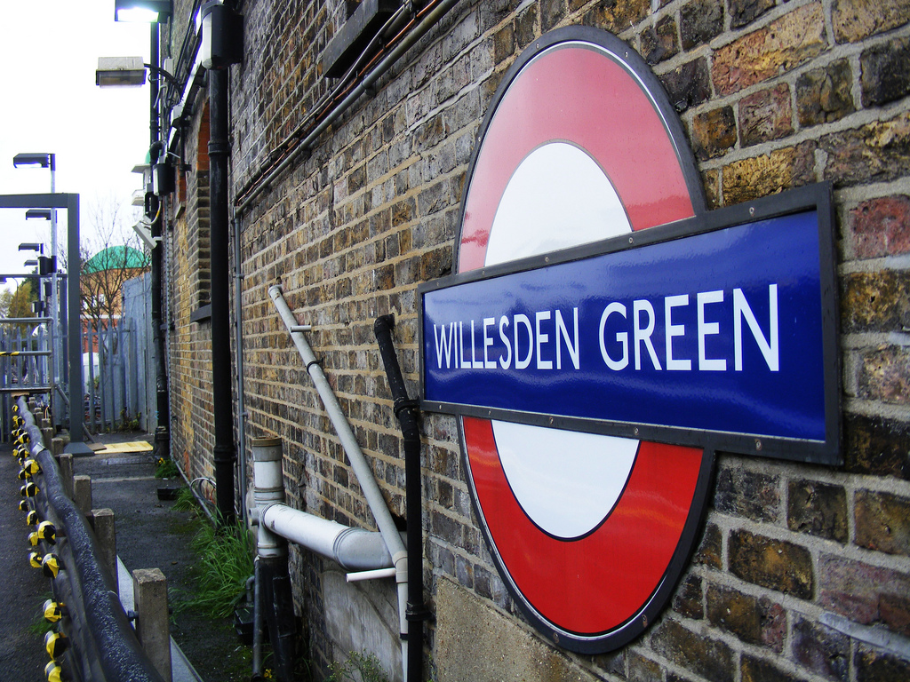 Virgin Media to extend free London Underground WiFi access until 2013