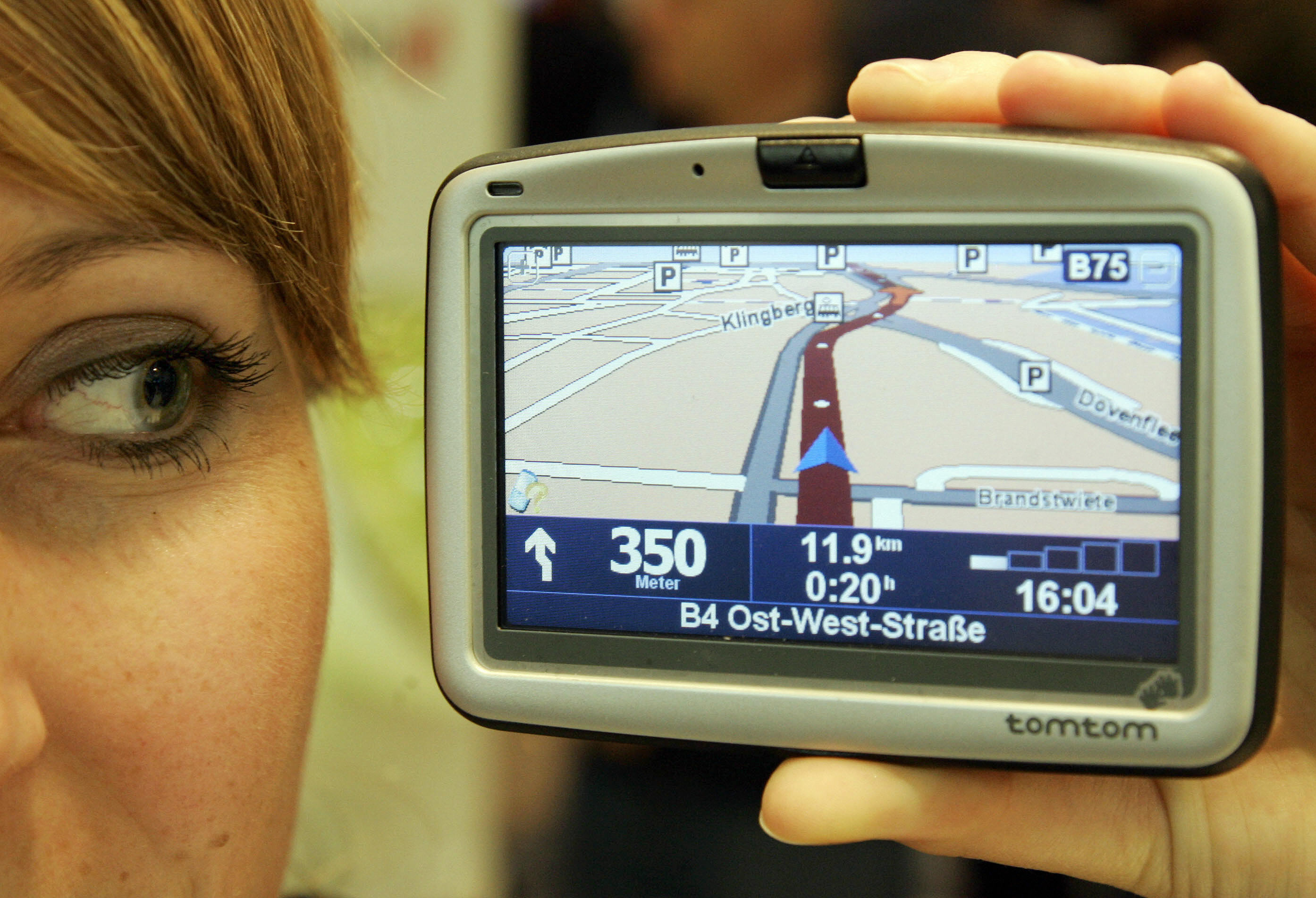 TomTom launches new navigation apps on Google Play, limits installation to some (older) devices
