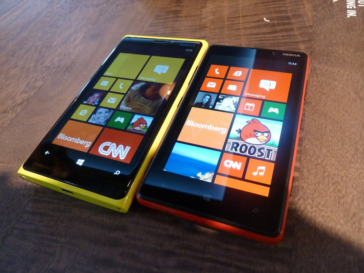 Best Buy prices Nokia Lumia 920 at $149.99 and HTC 8X at $99, as AT&T opens preorders