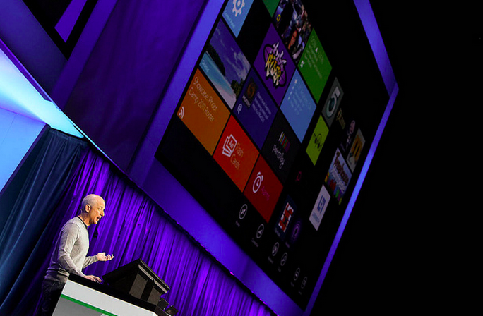 To the top: Windows 8 hits #1 on Amazon's software sales charts