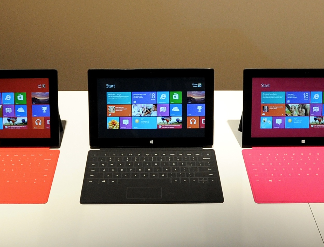 Microsoft Surface team dances around questions about screen resolution vs. iPad in Reddit AMA