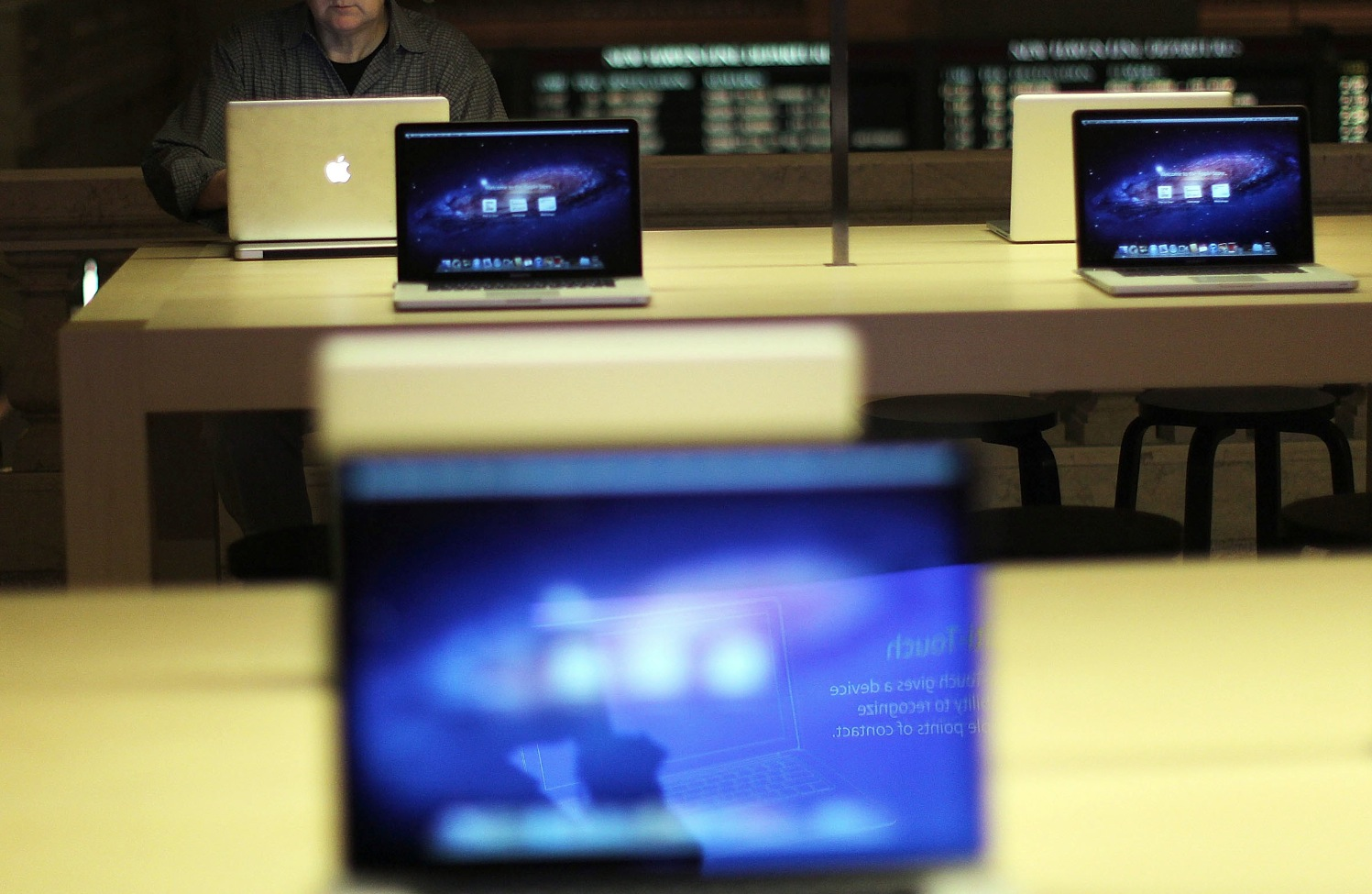 Apple sells 4.9M Macs in Q4 2012, up 1% year-over-year, MacBooks now 80% of all Mac sales