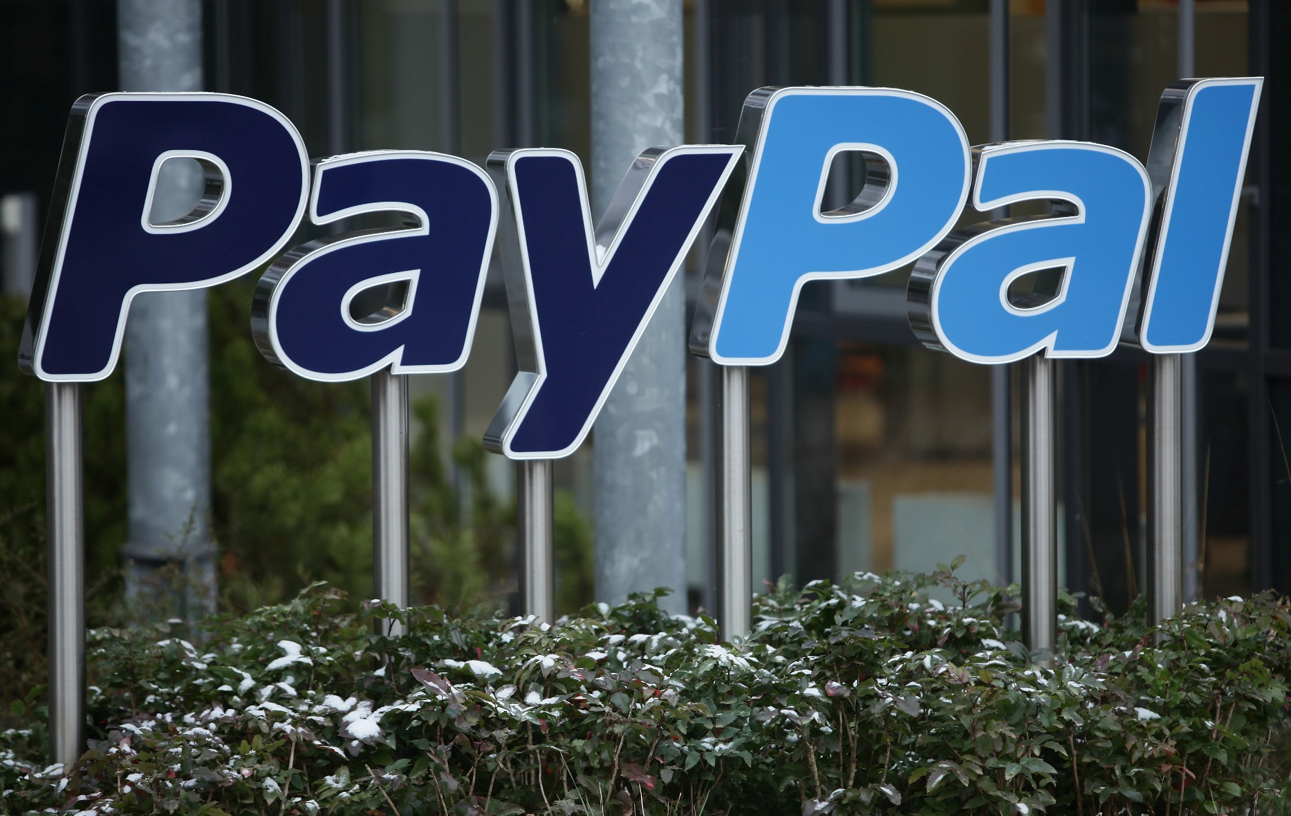 eBay's PayPal spends $15M to 'consolidate' its product groups, cutting 325 employees ...