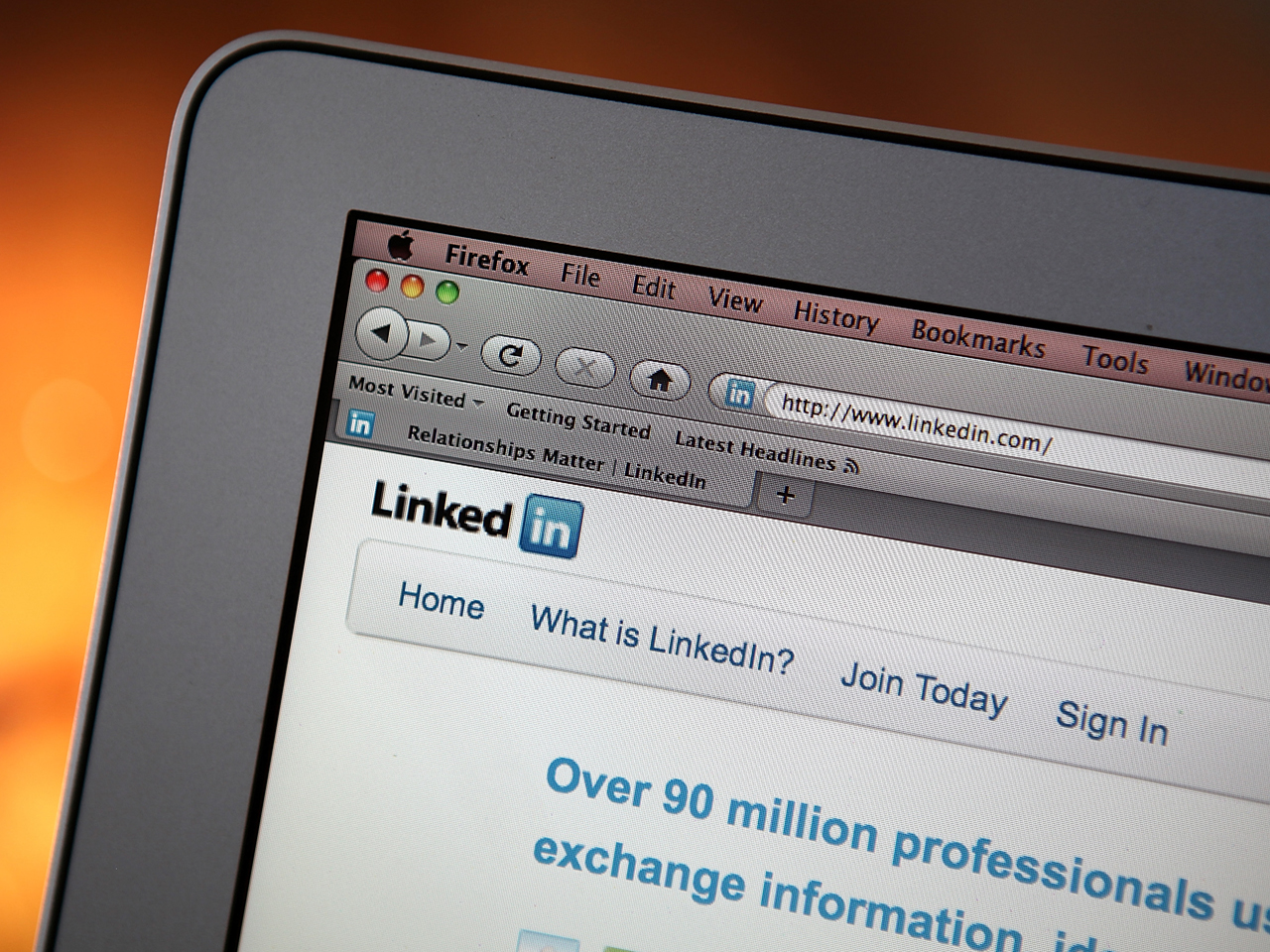 Image: LinkedIn to Buy SlideShare, 1Q Results Beat Expectations