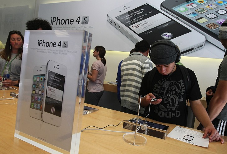 Surprise! Apple's retail and online stores get high marks for phone sales: Consumer Reports