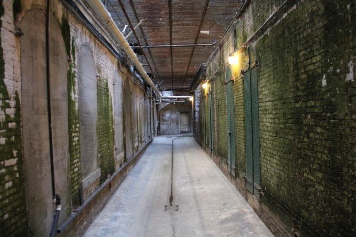 Google Maps brings over 10,000 indoor floor plans to the desktop