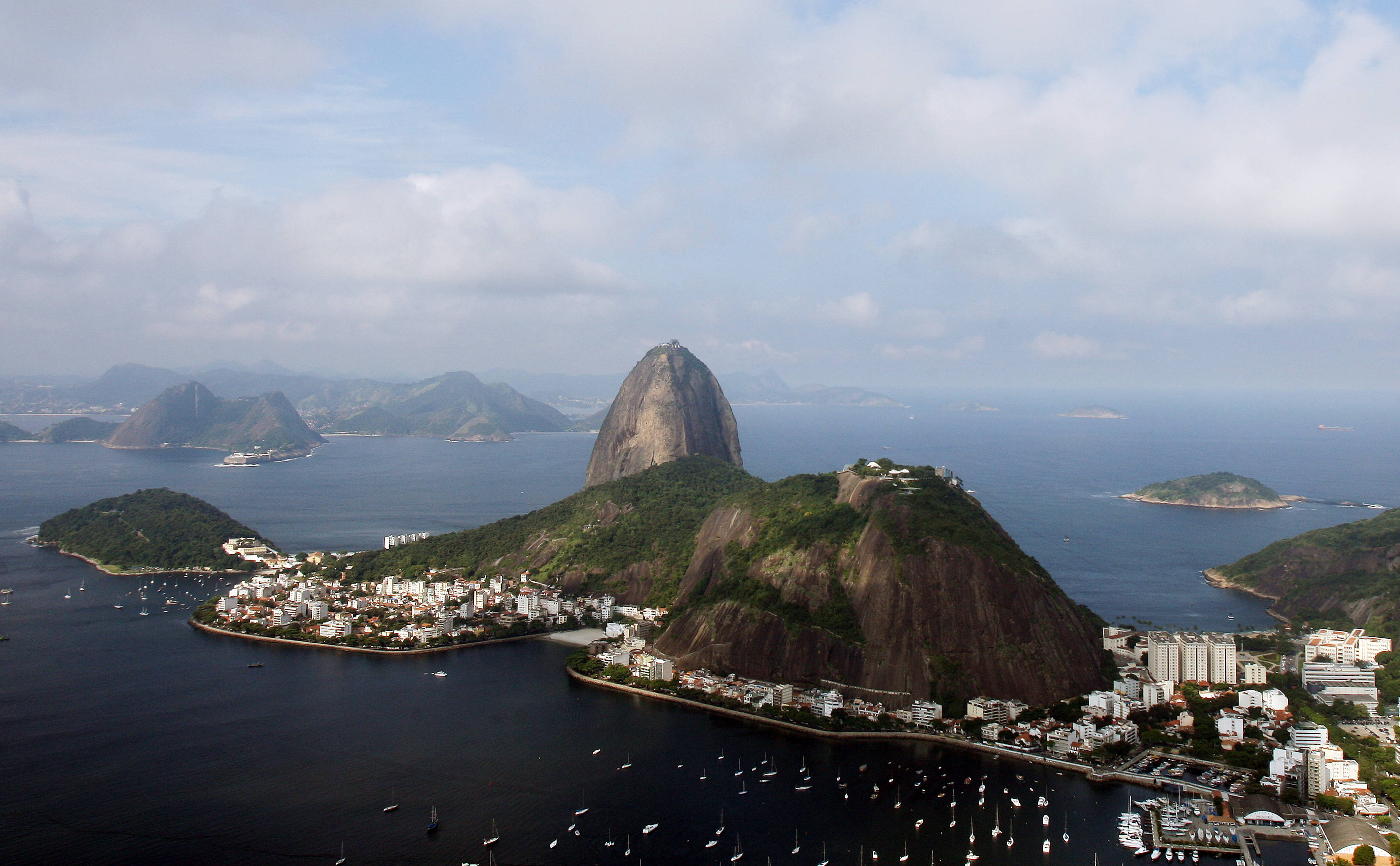 Microsoft will invest $100 million in Rio de Janeiro with new tech center