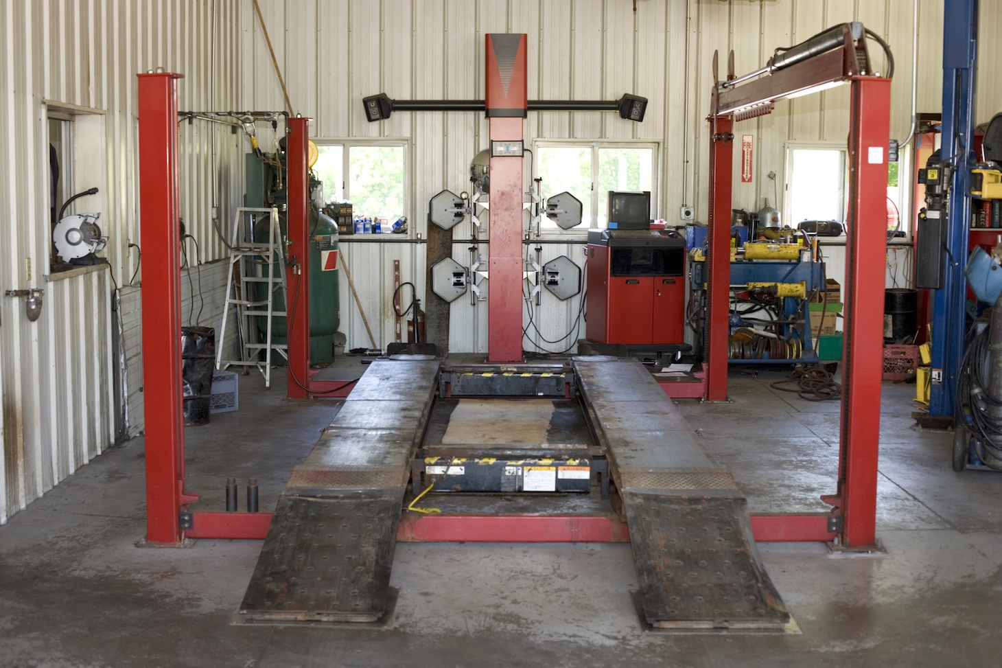 Facebook to launch 39 publishing garage 39 program for Garage fix auto nimes