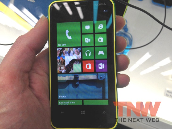 Lumia 620 1 730x547 Hands on with the Nokia Lumia 620 – a cheap and cheerful Windows Phone 8 device for non geeks