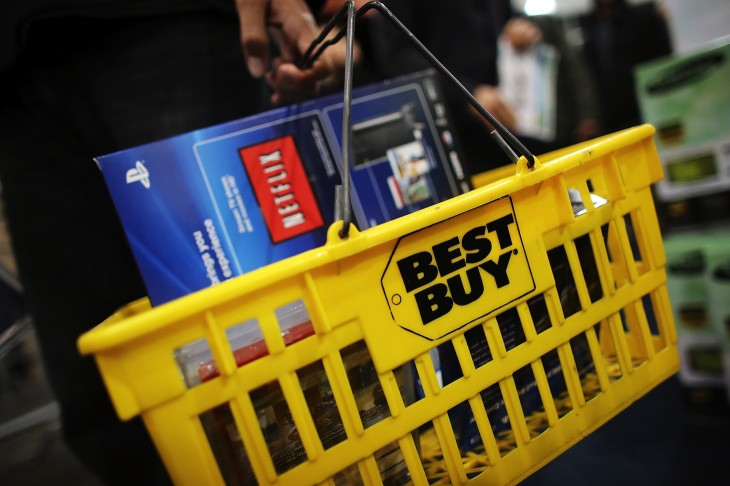 Best Buy reports holiday revenue: store sales flat, online sales up 10% to $1.1b