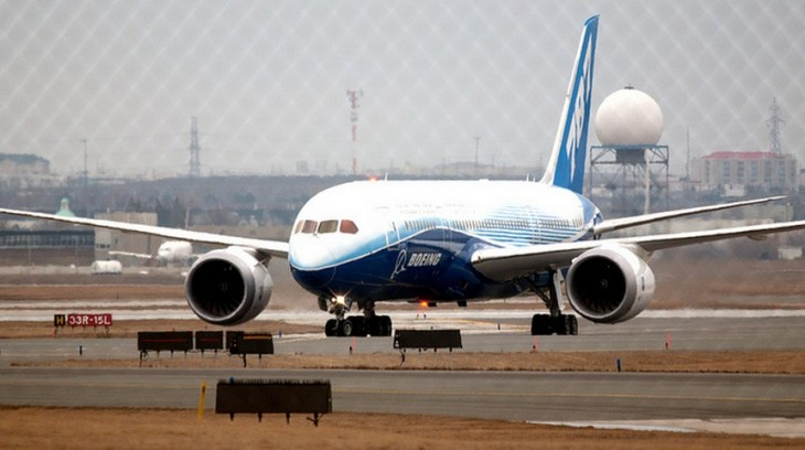 Tesla's Elon Musk offers to help get the grounded Boeing 787 Dreamliner back in the air