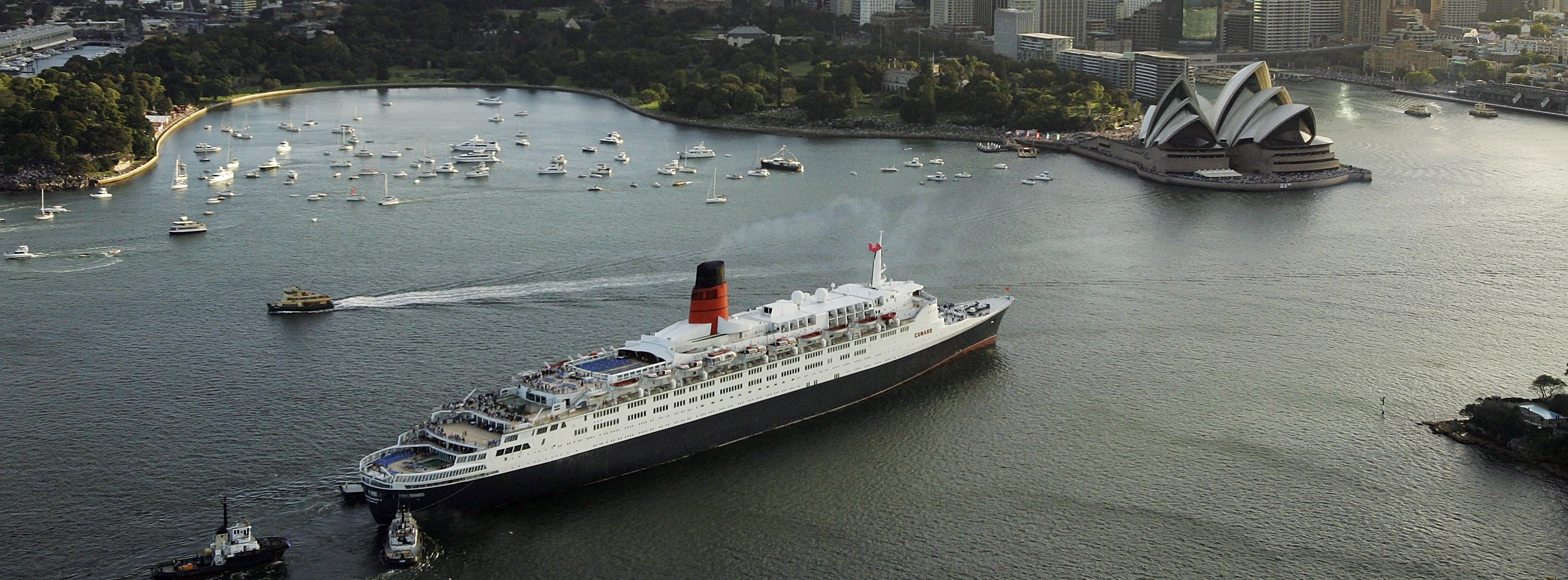 The Queen Victoria & Queen Elizabeth II Rendezvous In Sydney Harbour