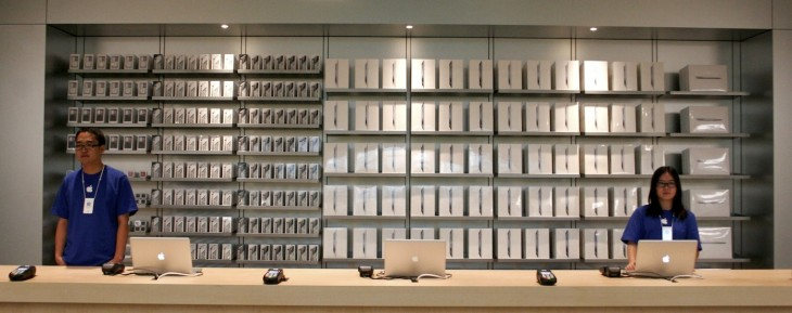 Apple courts Chinese customers with new interest-free payment plans