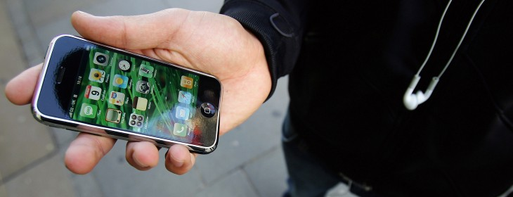Mobile phone theft soars to 300 a day in London, iPhones count for half