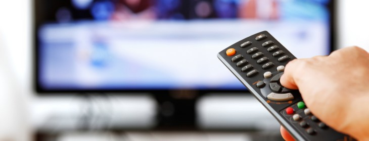 Zeebox is set to let cordcutters join its social TV party thanks to a deal with Gracenote