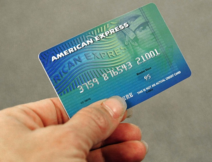 American Express lets cardholders use hashtags to buy things on Twitter