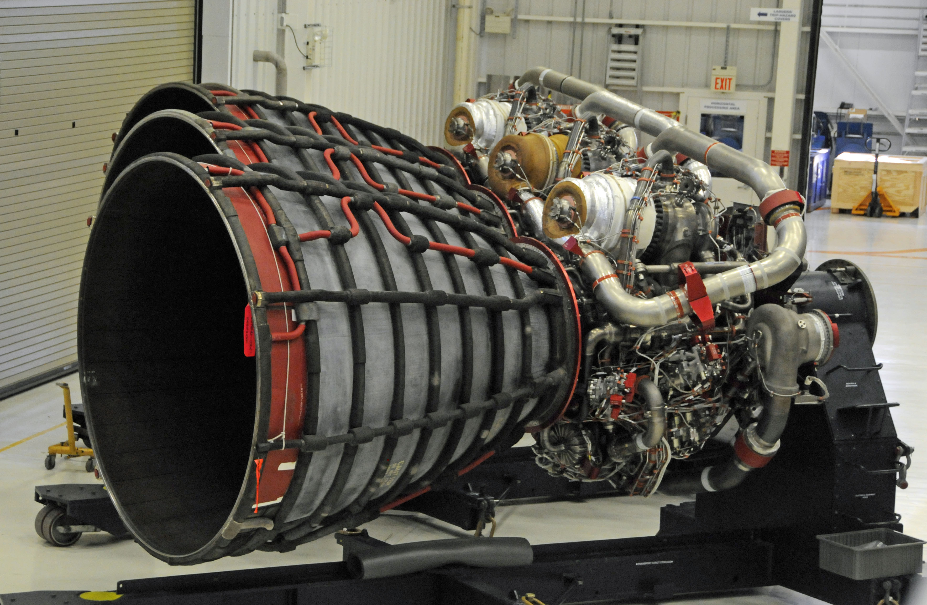 largest rocket engine - HD3885×2539