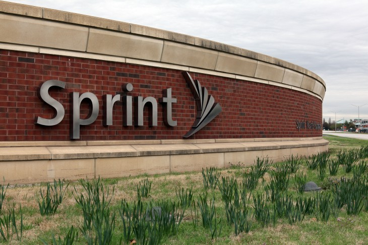 Clearwire tries to persuade minority shareholders that Sprint's $2.2 billion offer is the only option ...