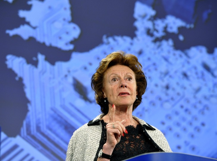 Neelie Kroes calls on EU Parliament to help kill mobile roaming costs, guarantee net neutrality