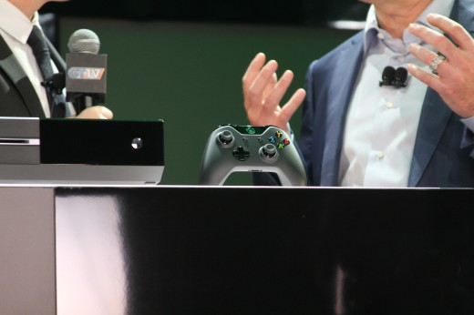 IMG 7944 520x346 Eyes on the Xbox One: An edgy beast with a new controller and Kinect sensor