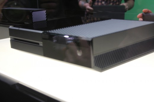 IMG 7960 520x346 Eyes on the Xbox One: An edgy beast with a new controller and Kinect sensor