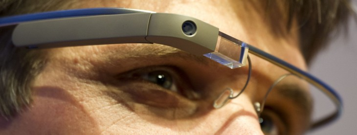 Google Glass update adds Google+ notifications, saves on resources by limiting background downloads
