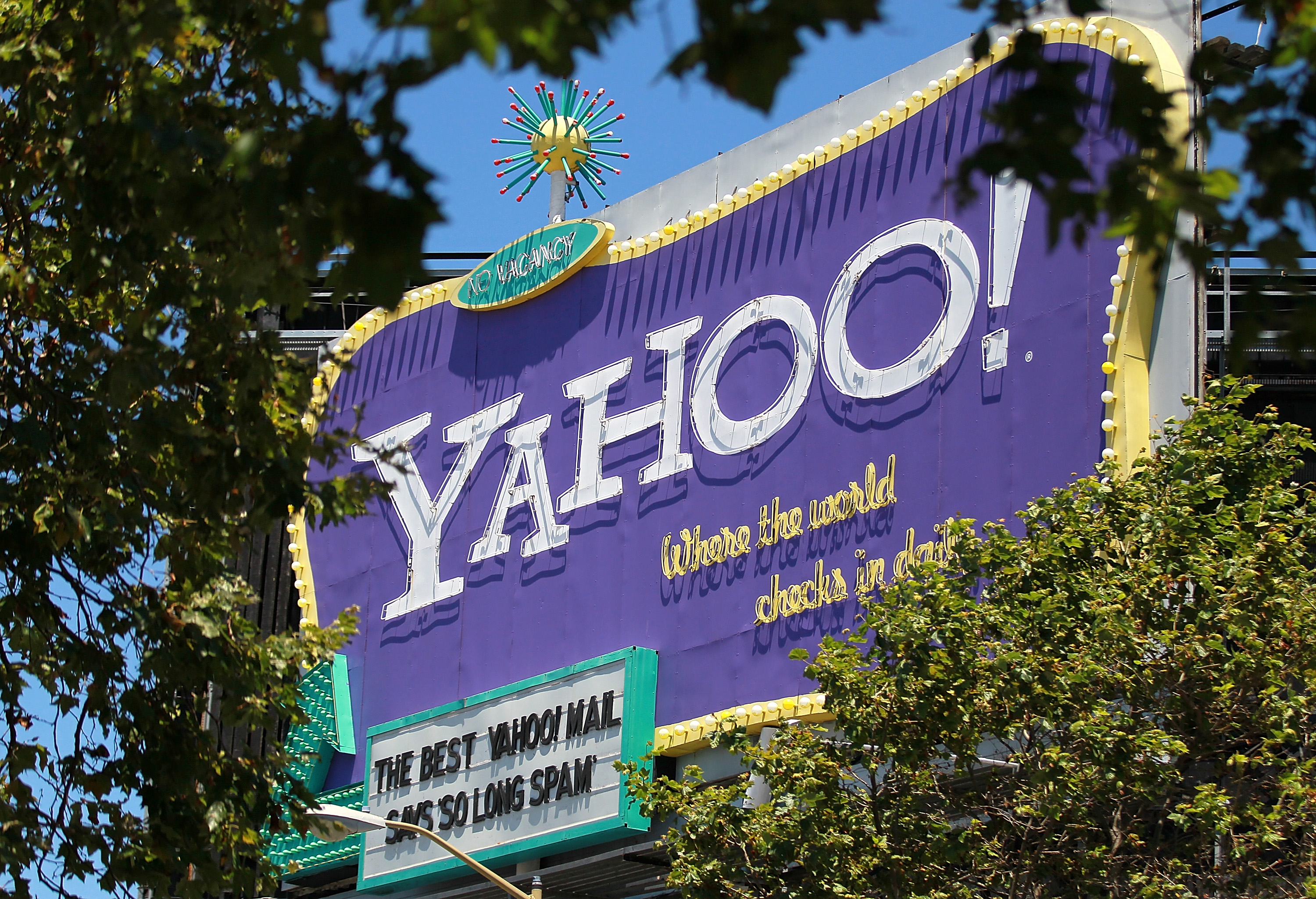 Yahoo To Shutter AltaVista, Axis, And 10 Other Products This Year