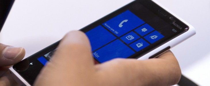 Bing apps for Windows Phone 8.1 getting single sign-on and flight tracking, everyone else has to wait ...