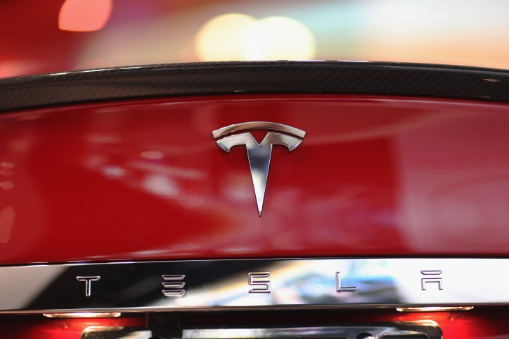 Tesla Motors recalls Model S cars built in May and June 2013 due to weakened mounting bracket