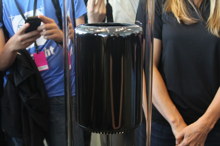 Apple previews a completely new Mac Pro: 12 core Xeon CPU, PCIe flash storage, externally expandable