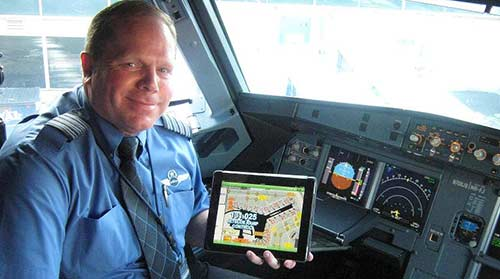 JetBlue is the latest airline to issue pilots with iPads, moving one step closer to paperless cockpits ...