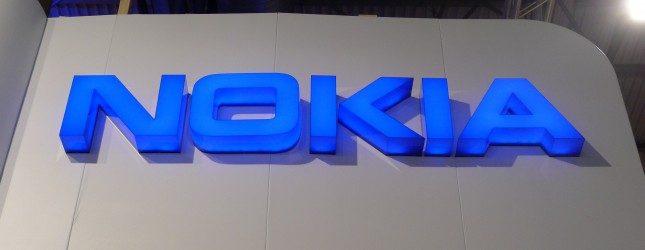 Nokia announces the 515 featurephone with 5MP camera and 3.5G, launching in September for $149