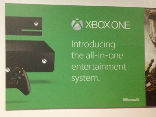 xbox allinone 520x392 Microsofts E3 Xbox One tech demo: 300,000 asteroids, spinal thumbsticks and NFL multi tasking