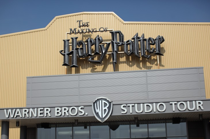 google maps street view lets you explore harry potters diagon alley at the wb studio tour