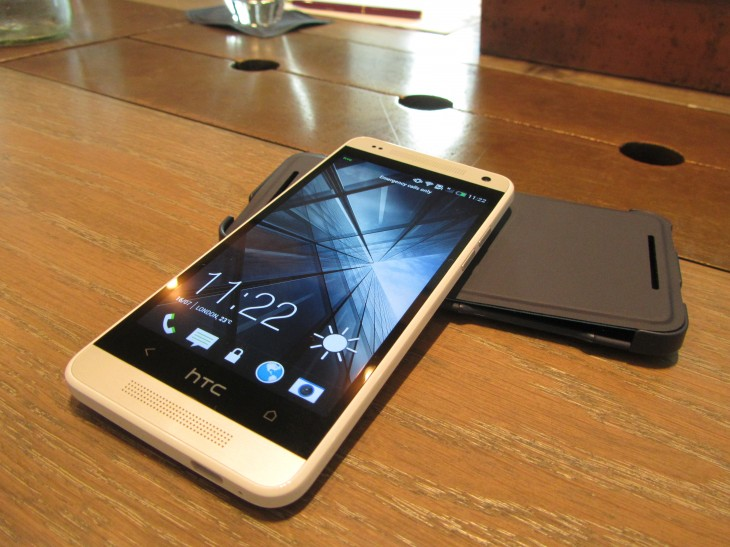 HTC One Mini front 730x547 Review: 24 hours with the HTC One Mini, small(er) in size but big in promise?