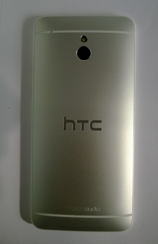 WP 20130722 008 520x803 Review: 24 hours with the HTC One Mini, small(er) in size but big in promise?