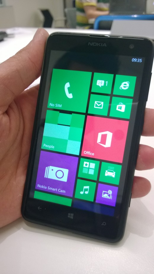 WP 20130723 053 520x923 Hands on with the Lumia 625   will 4G LTE on a budget be enough to woo buyers?