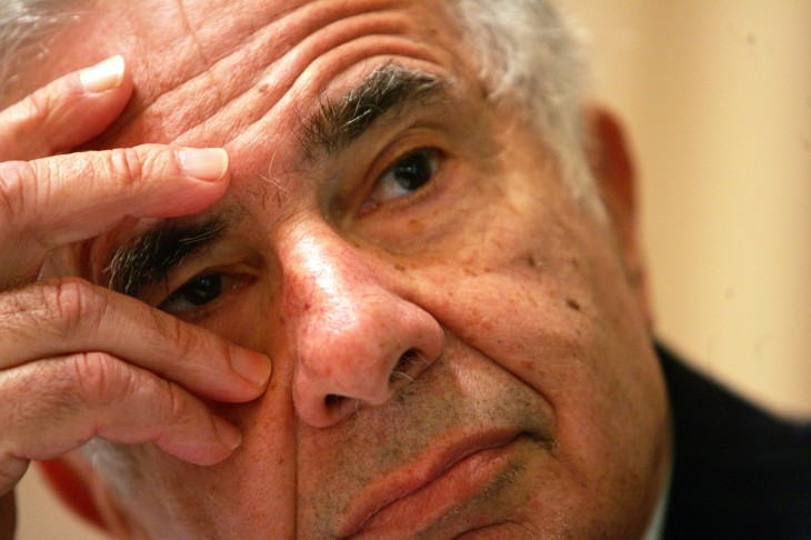 Will having activist investor Carl Icahn as a shareholder hurt Apple in the long-run?