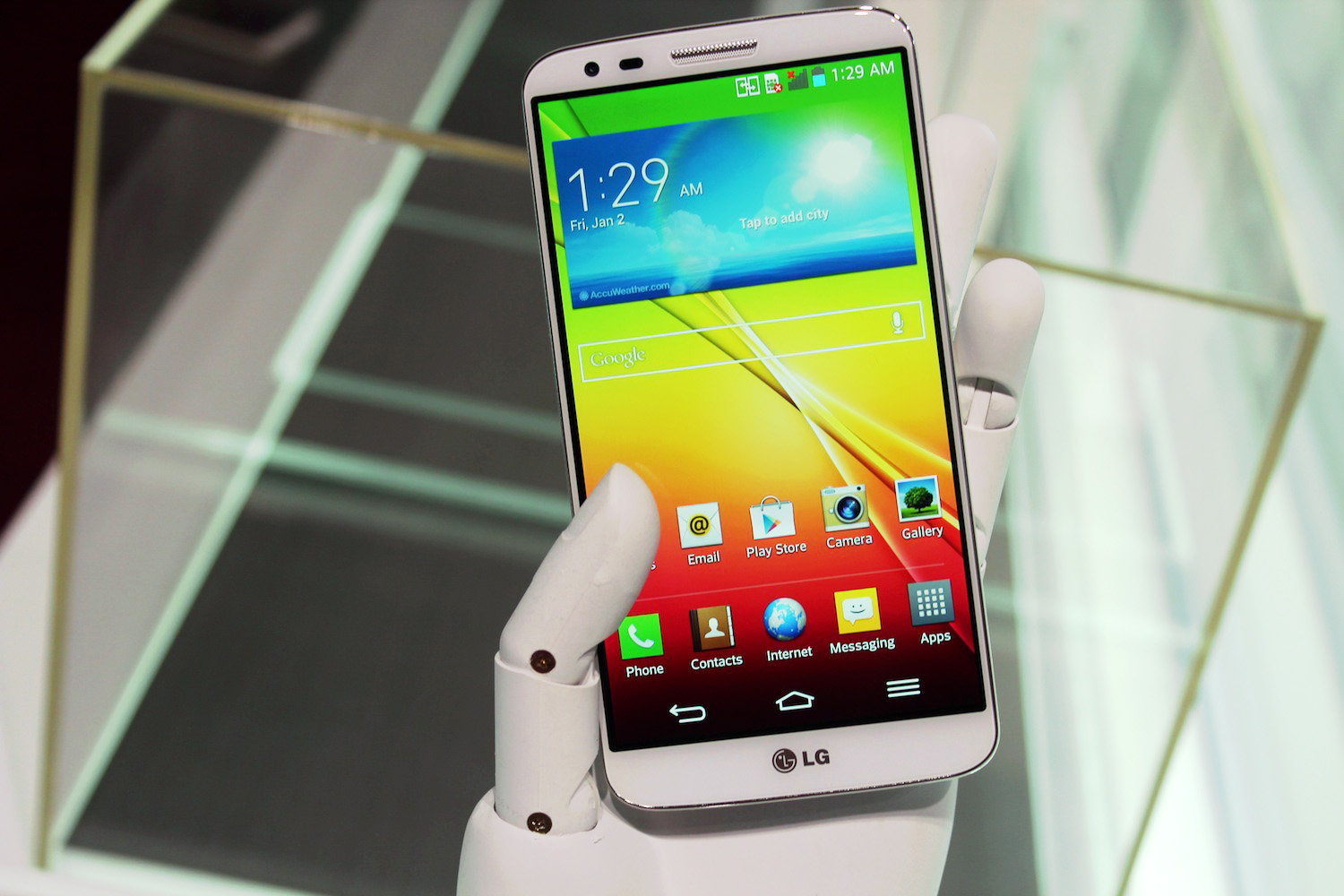 Hands-on with the LG G2: It's got buttons on the back