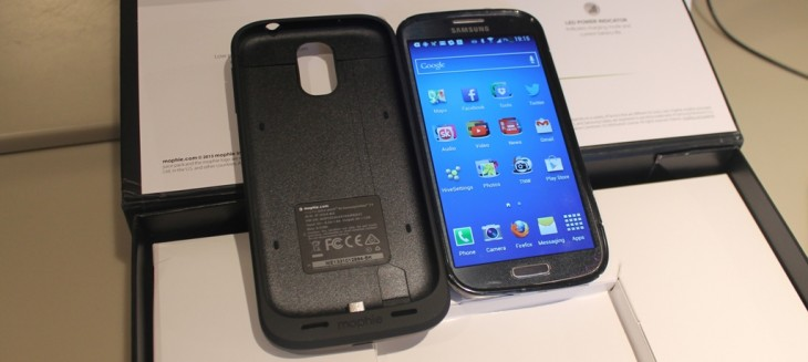 best cheap 0c70c 1ad88 Mophie Juice Pack for Samsung Galaxy S4: Hands-On