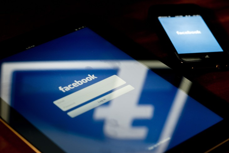 Facebook testing feature on its mobile apps that auto-plays directly uploaded videos on News Feed