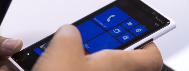 Leaked image gives a first glance of Samsung's upcoming Windows Phone 8.1-powered device