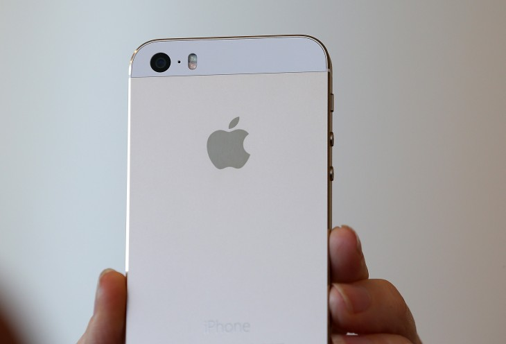 Should you purchase the iPhone 5s and 5c on AT&T, Sprint, T-Mobile or Verizon? Here's the ...