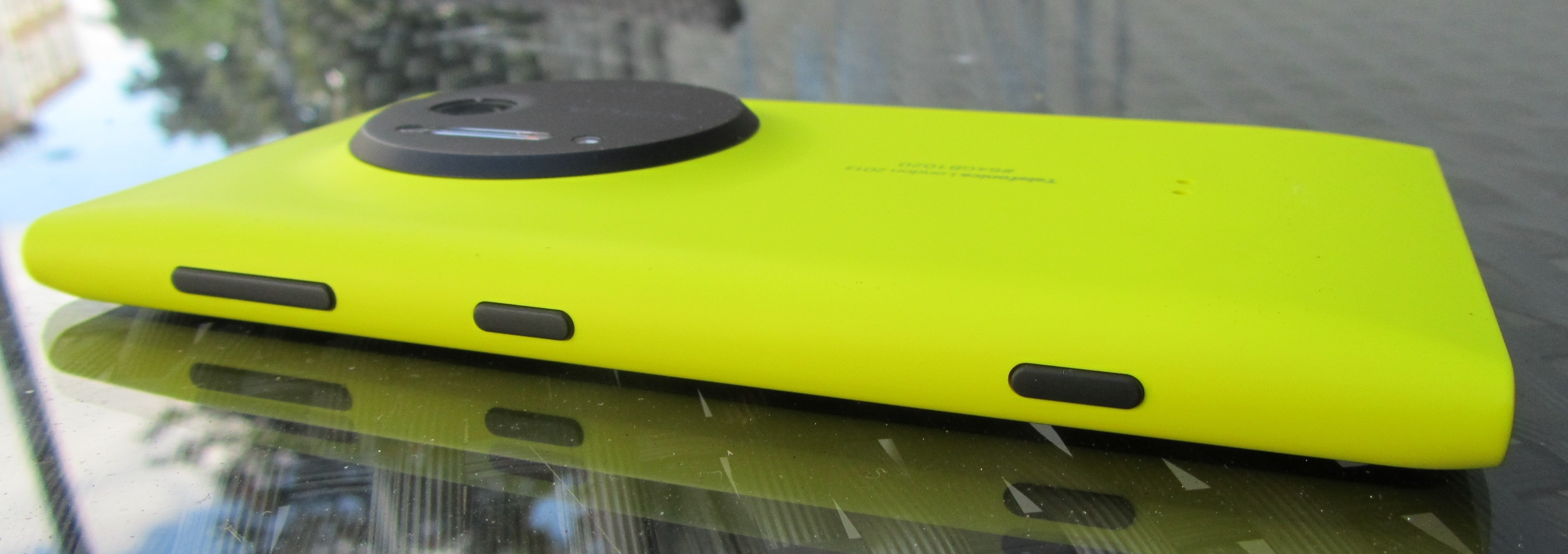 Nokia lumia 1020 review big camera big price big win - Nokia Lumia 1020 Review Big Camera Big Price Big Win 20