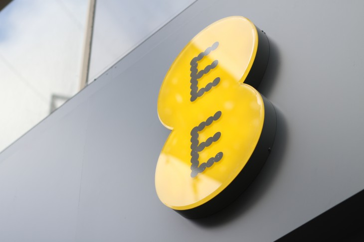EE hits 500k UK subscribers, will launch shared 4G plans and pre-pay mobile broadband this summer