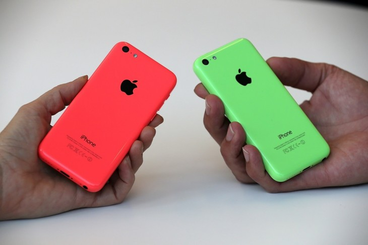 iphone 5cc 730x487 Roundup: Heres what the first reviews say about the iPhone 5s and iPhone 5c