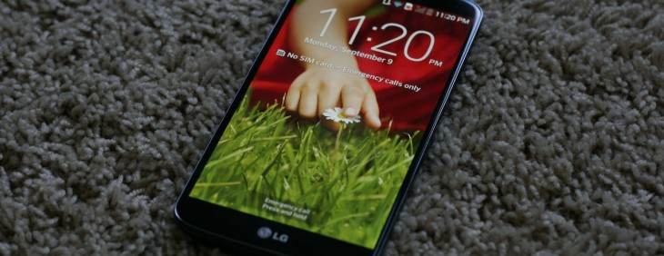 LG G2 first impressions: Business in the front, buttons on the back